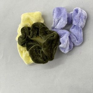 Accessories - 3 new scrunchies